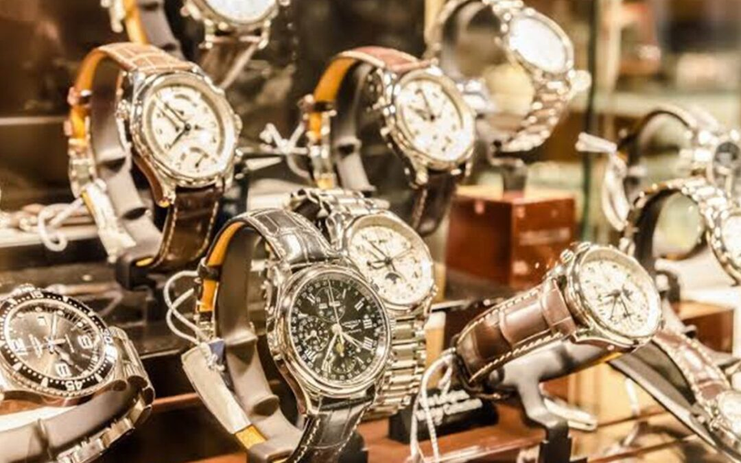10 Watch Buying Mistakes: Watch BEFORE You Buy A Timepiece
